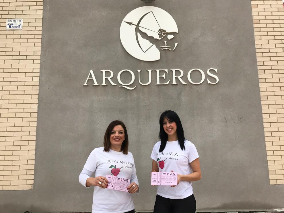 Las mujeres de la asociación Atlanta de Arcosur prueban este año con la Lotería de Navidad