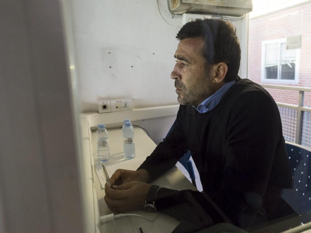 Raúl Agné, en la cabina de prensa de La Romareda desde la que vio su primer partido como técnico del Real Zaragoza, el pasado fin de semana ante el Almería.