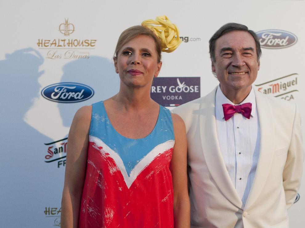 Pedro J. Ramírez y Ágatha Ruiz de la Prada, durante una gala, en 2014