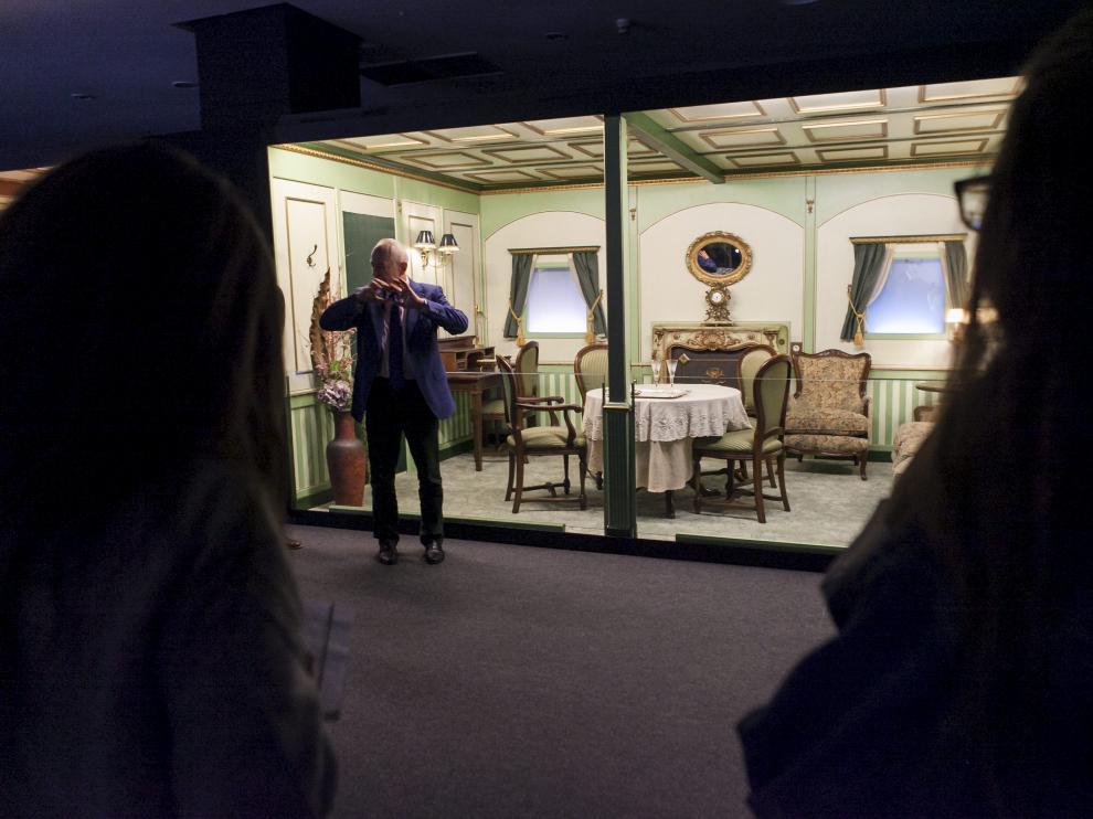 El historiador Claes-Göran Ovar Wetterholm presentó ayer 'Titanic: The Exhibition' en el centro comercial Augusta