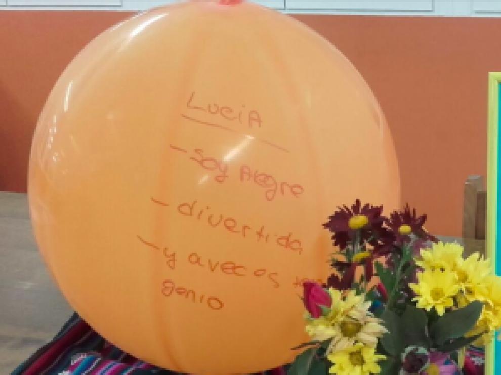 Mensajes para Lucía en su colegio, este lunes.