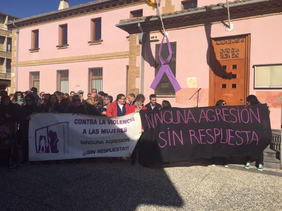Concentración contra la violencia machista en Casetas.