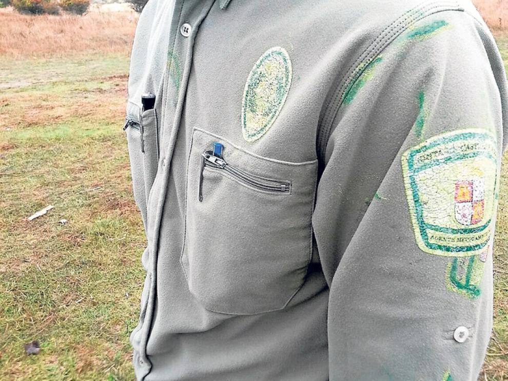 Uno de los agentes medioambientales de la Junta de Castilla y León, en Soria, uniformado.