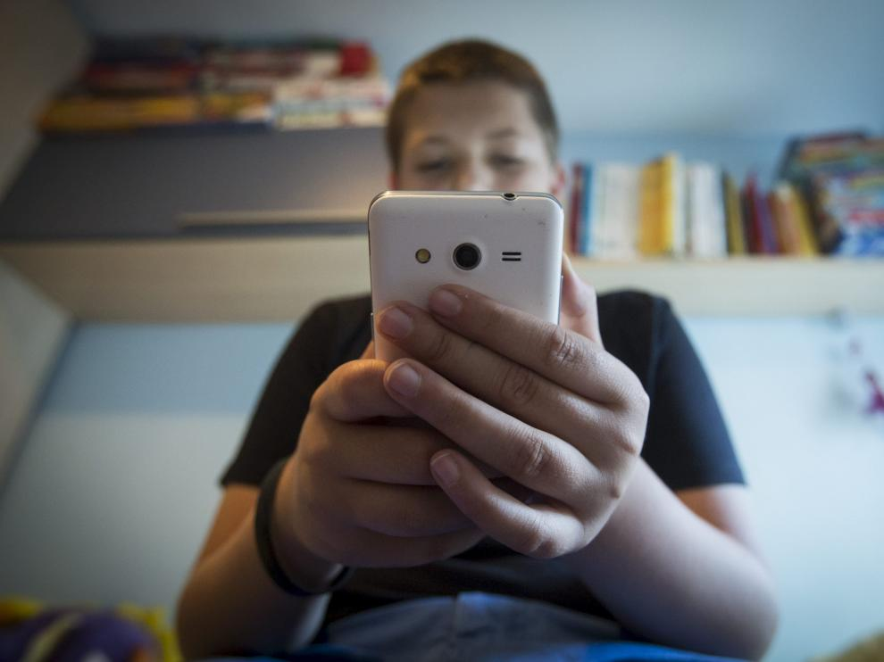 Los más jóvenes son los grandes expertos en juegos para móviles.