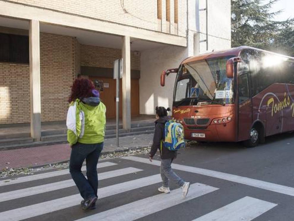 Autobús escolar en Movera.