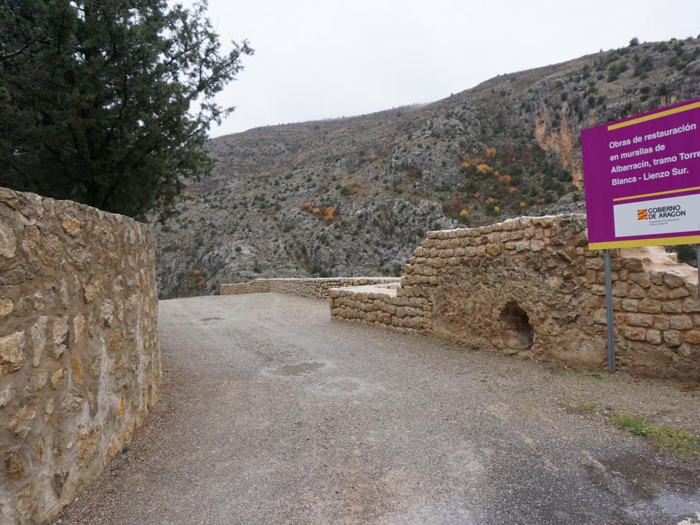 El tramo de muralla reconstruido es el de la Torre Blanca.