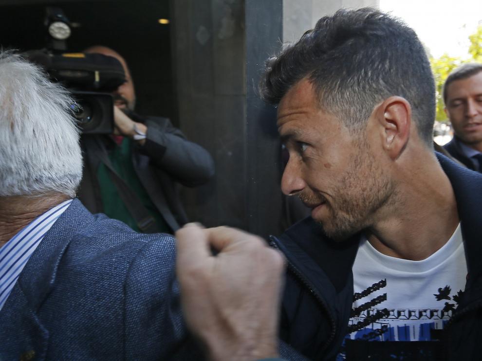 Rubén Castro entrando a los juzgados.