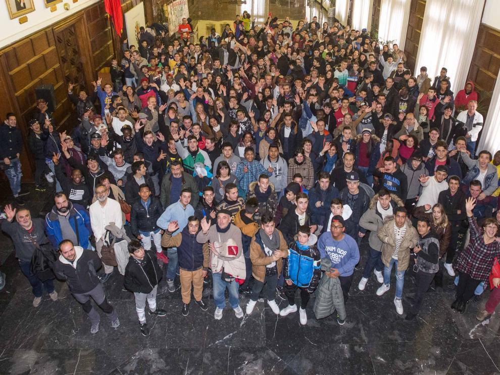 Alumnos de centros sociolaborales del Ayuntamiento celebran el Día de la Paz.