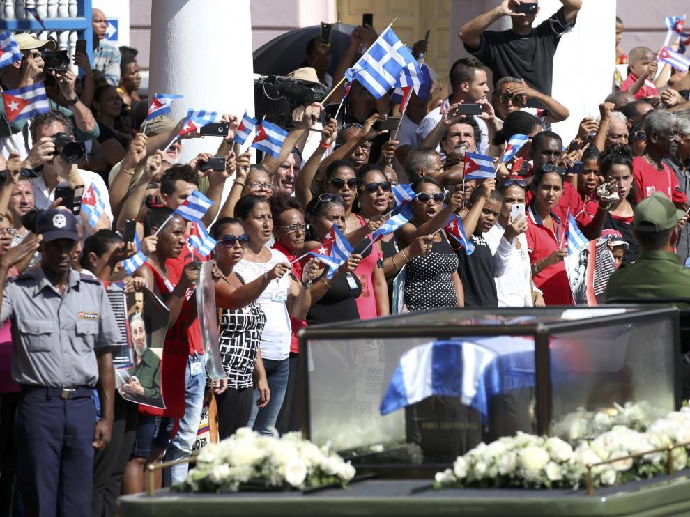 Los restos de Fidel Castro llegan a Santiago de Cuba