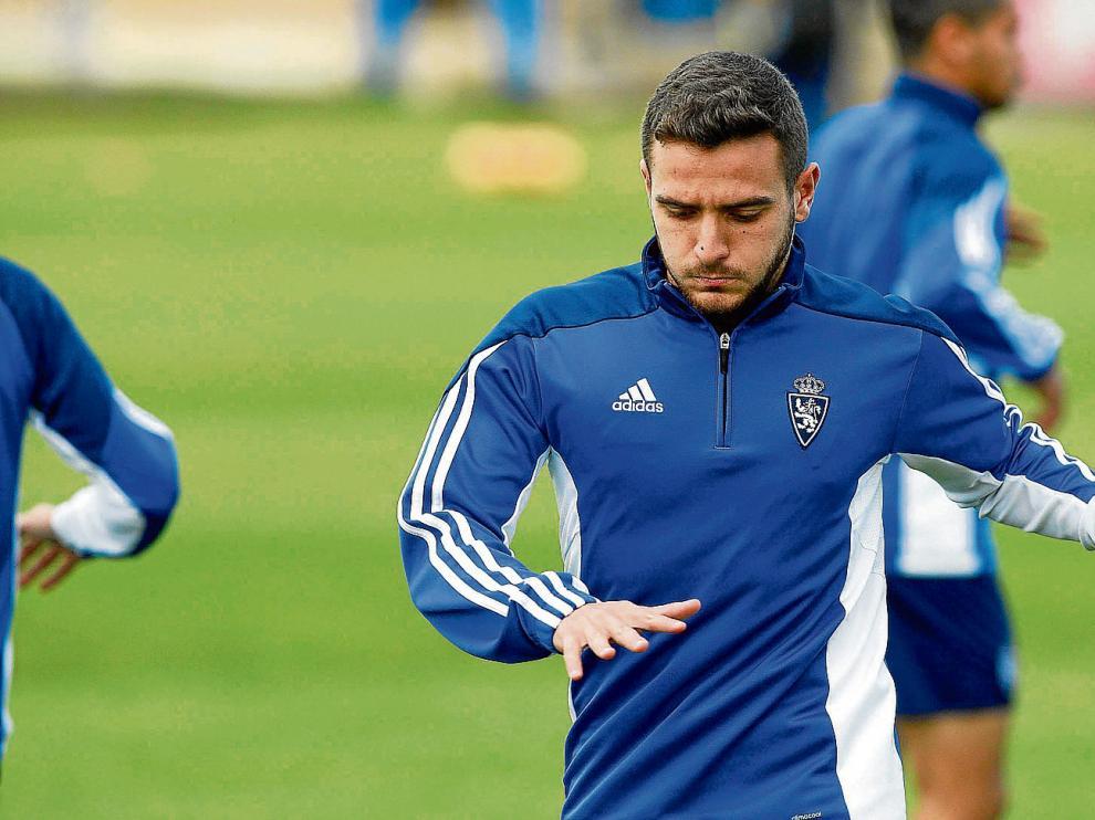 Xiscu, un entrenamiento con el primer equipo del Real Zaragoza.