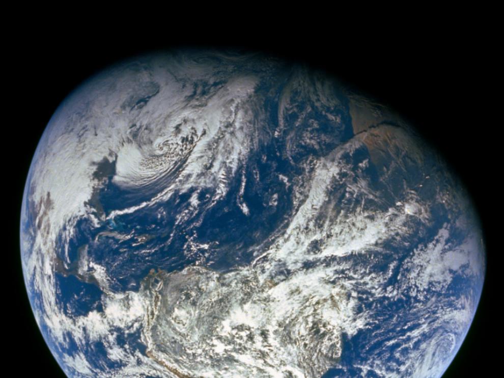 Imagen de la Tierra tomada por la NASA durante la misión Apolo 8.