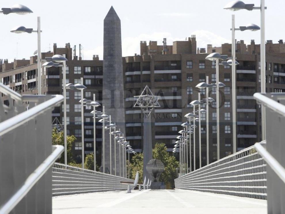 Puente de La Almozara en 2009 tras las obras de remodelación.