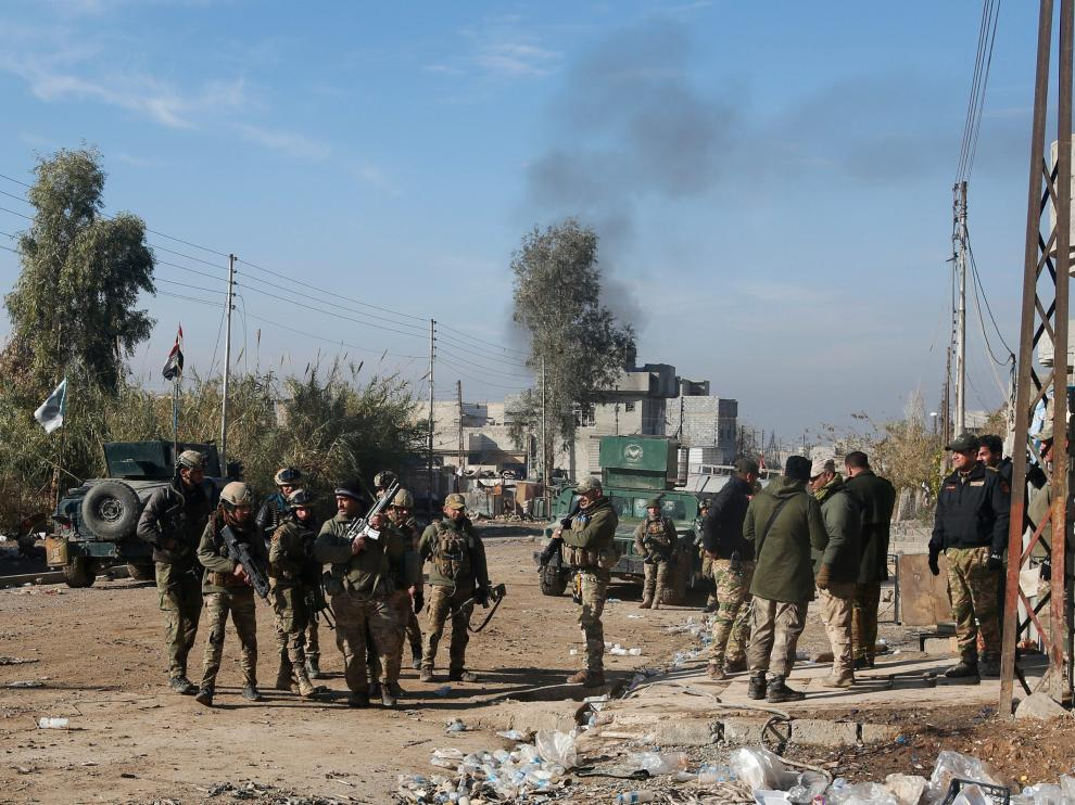 Estado Islámico golpea los barrios del este de Mosul, en manos iraquíes