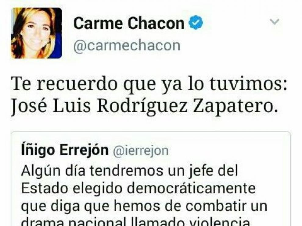 Carme Chacón confunde a Zapatero con el Jefe de Estado.