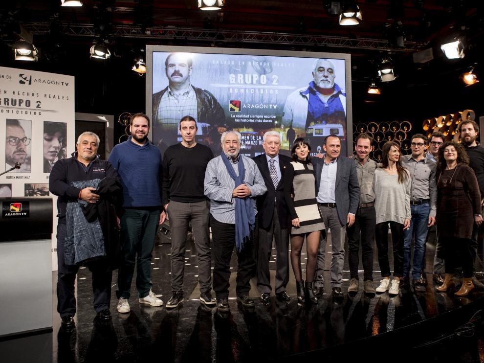 El equipo de la docuficción 'Grupo 2 Homicidios' en la premier celebrada este martes en la sede de Aragón Televisión