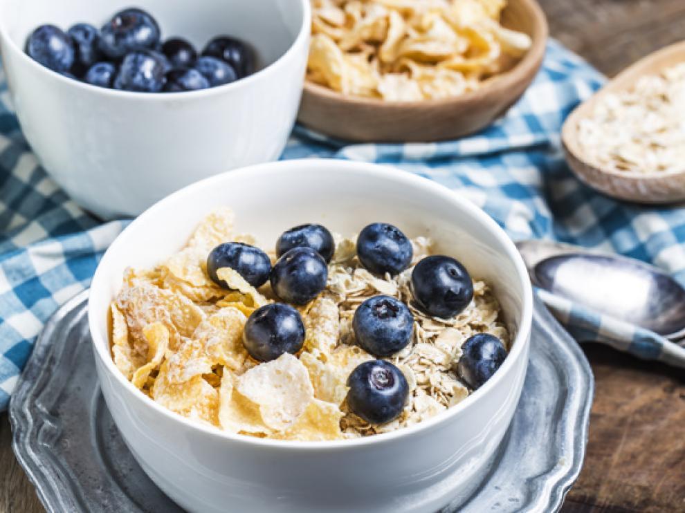 La fruta y las verduras, los cereales y la pasta son algunos de los alimentos más ricos en fibra.