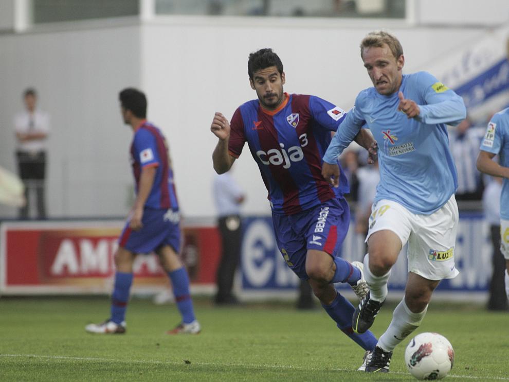 Lluís Sastre en un partido con el Huesca de su anterior etapa.