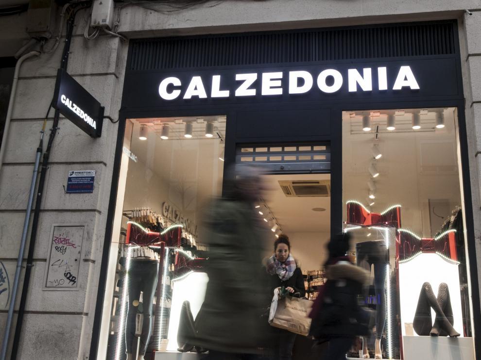 Franquicia de Calzedonia en Zaragoza: por formato y tamaño podrá abrir domingos y festivos.