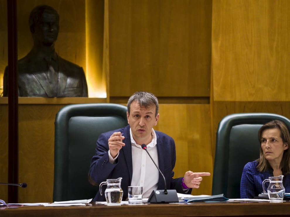 Fernando Rivarés, junto a la directora general de Economía, Ana Sanromán, el pasado mes de noviembre.