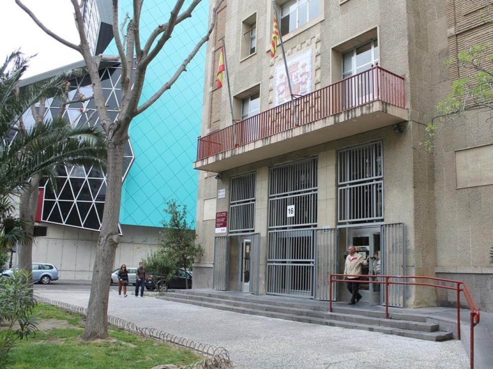 El Instituto Aragonés del Servicios Sociales es el encargado de realizar los trámites.
