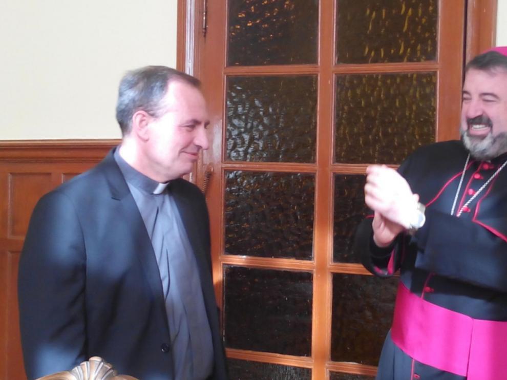 A la izquierda, el Obispo electo de Osma-Soria, con el Obispo de Calahorra y La Calzada-Logroño