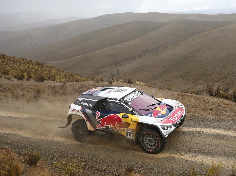 Loeb durante la quinta etapa del Dakar.