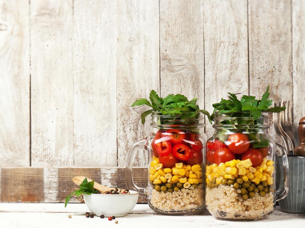 Existe cierta tendencia a pensar que alimentarse con 'tupper' es perjudicial para la salud.