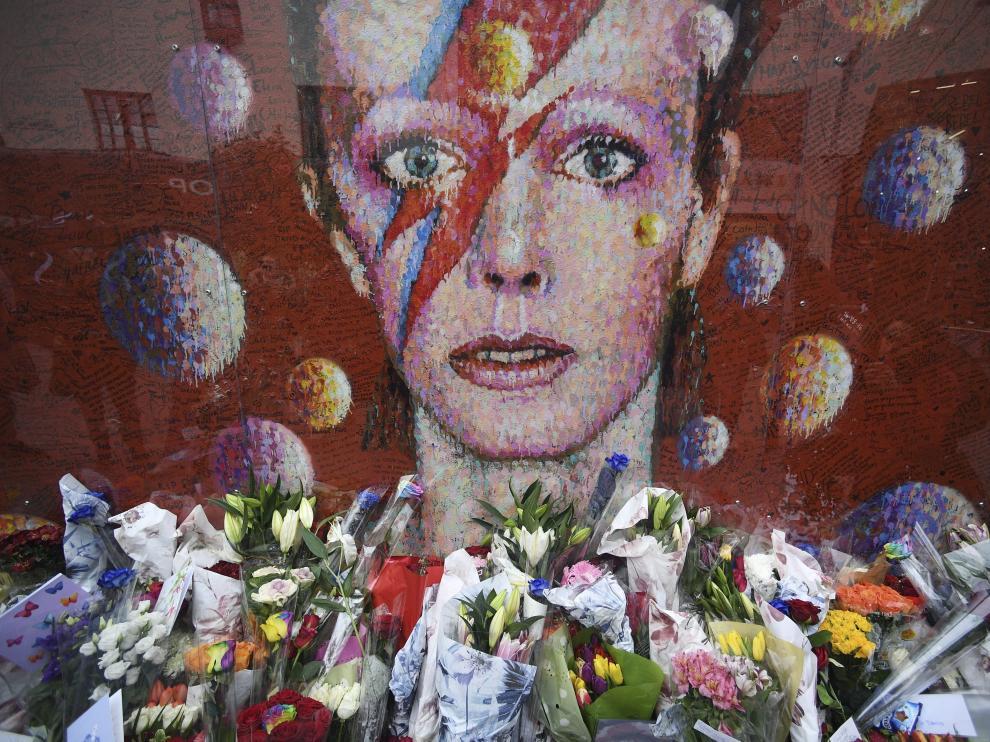 Londres recuerda a Bowie.