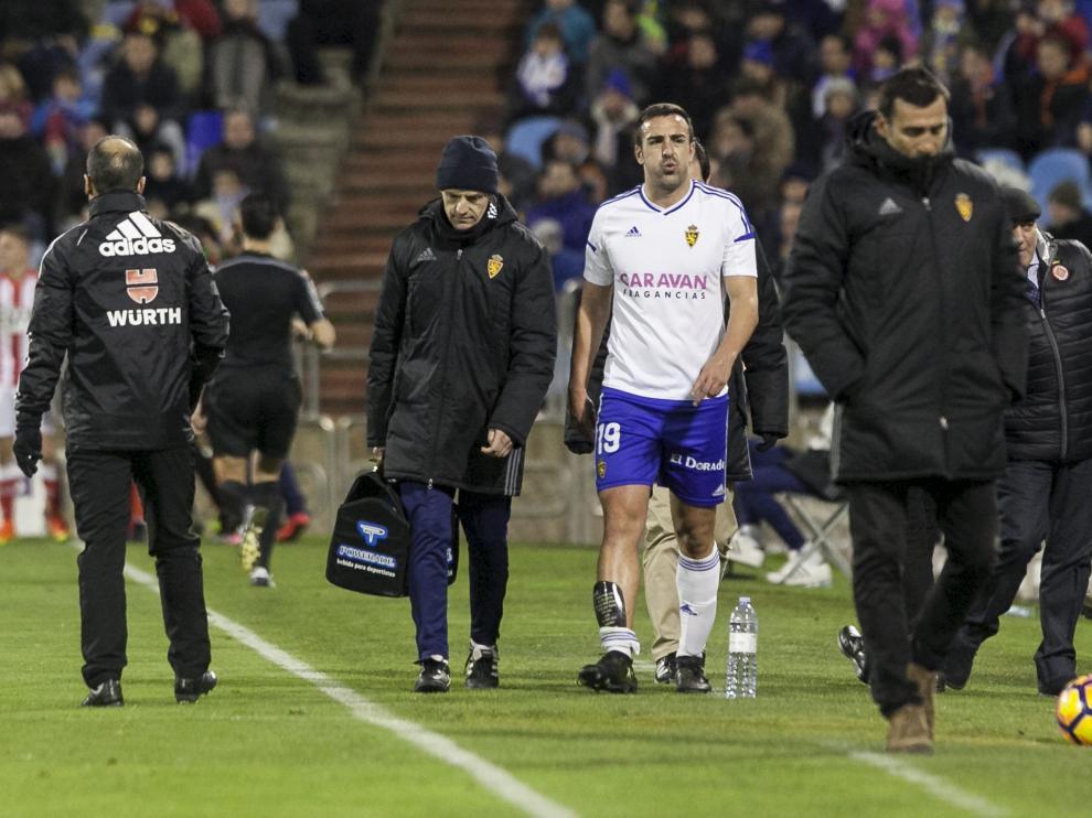 José Enrique, lesionado, el pasado domingo.