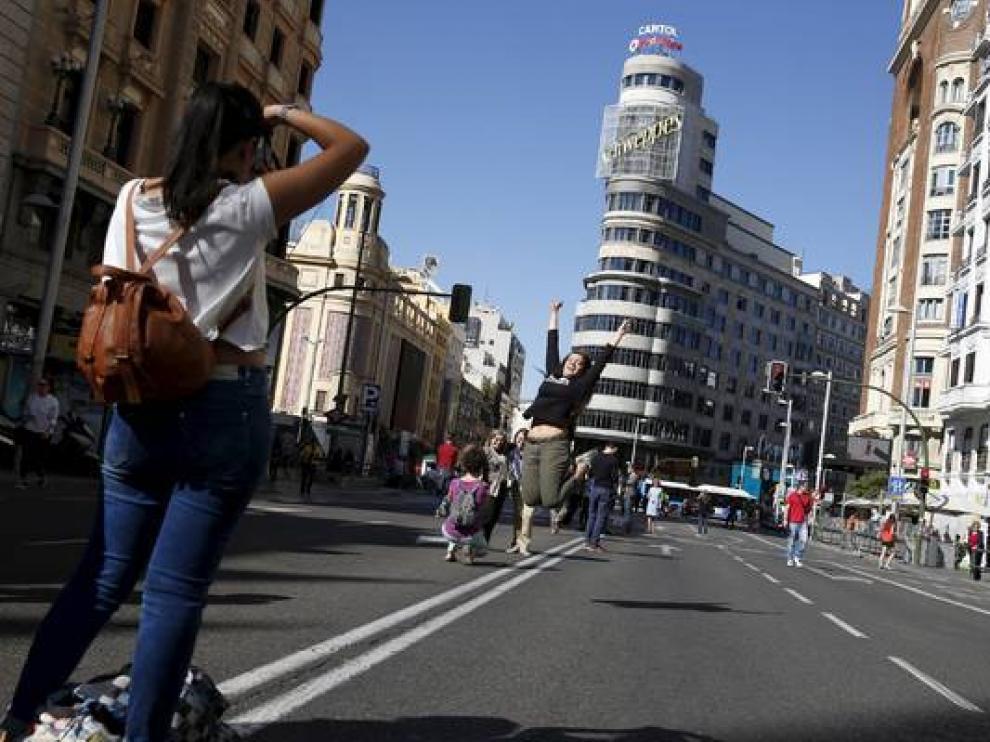 La Gran Vía de Madrid, sin coches, en una imagen de archivo.