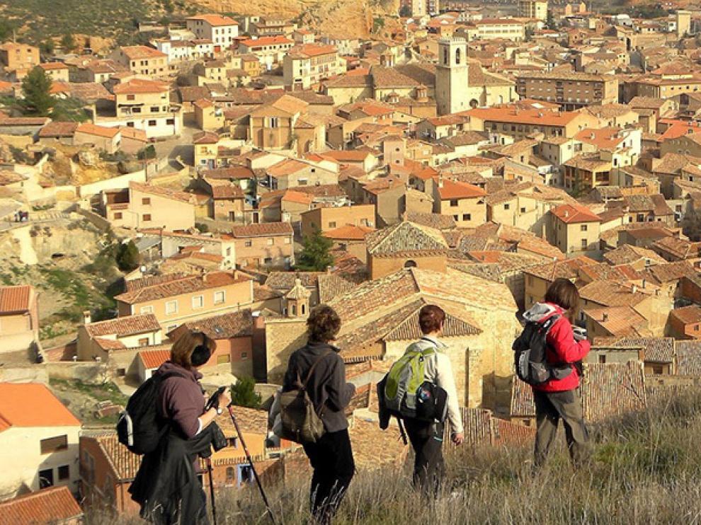 El programa propone conocer la comarca practicando senderismo.