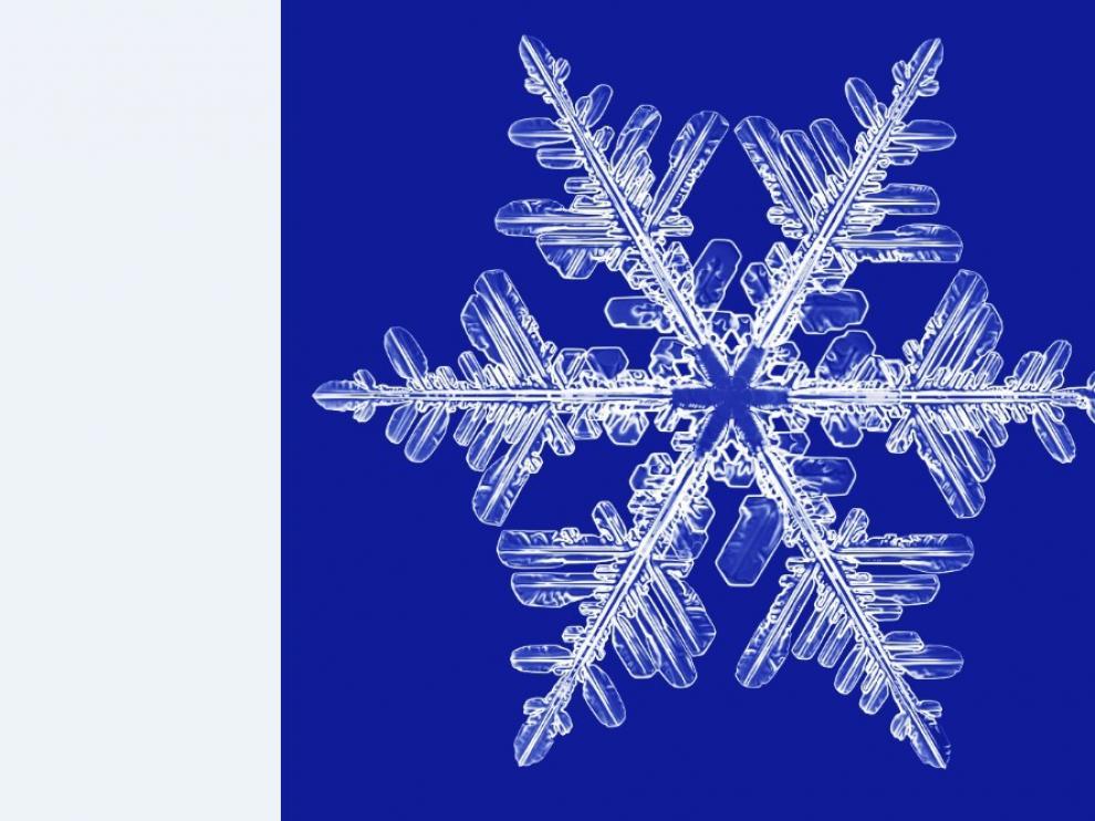 Este cristal hexagonal ha crecido en el laboratorio de Kenneth G. Libbrecht