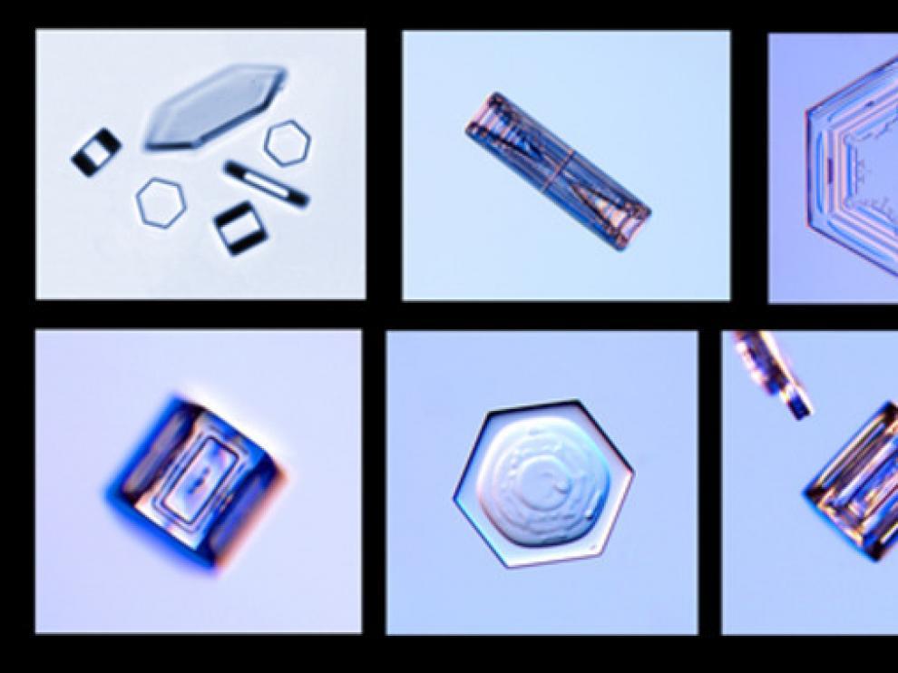 Cristales con formas hexagonales achatadas