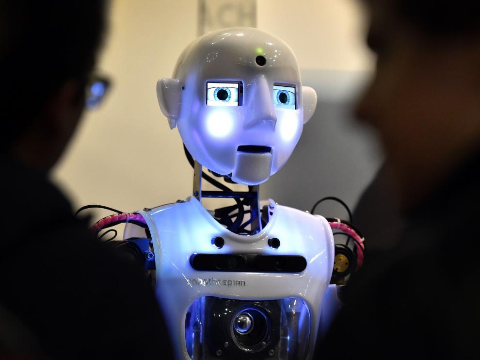 Ante la incertidumbre que generan los robots, quieren que se dote de un arsenal jurídico que proteja a los ciudadanos.