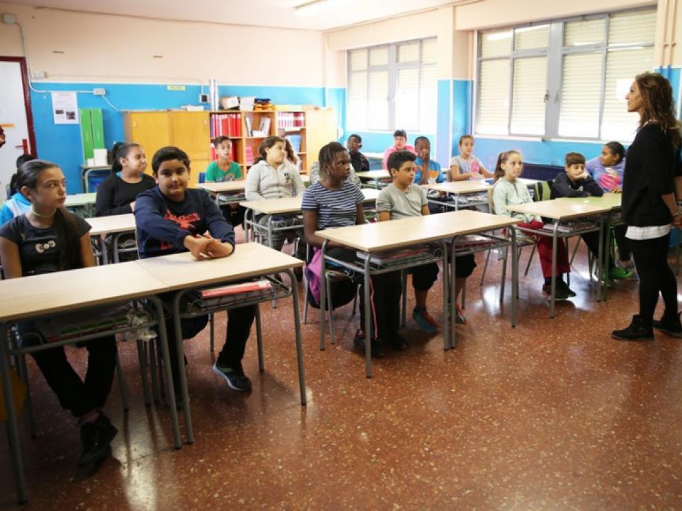 Alumnos del Ramiro Soláns, en una sesión de mindfulness.
