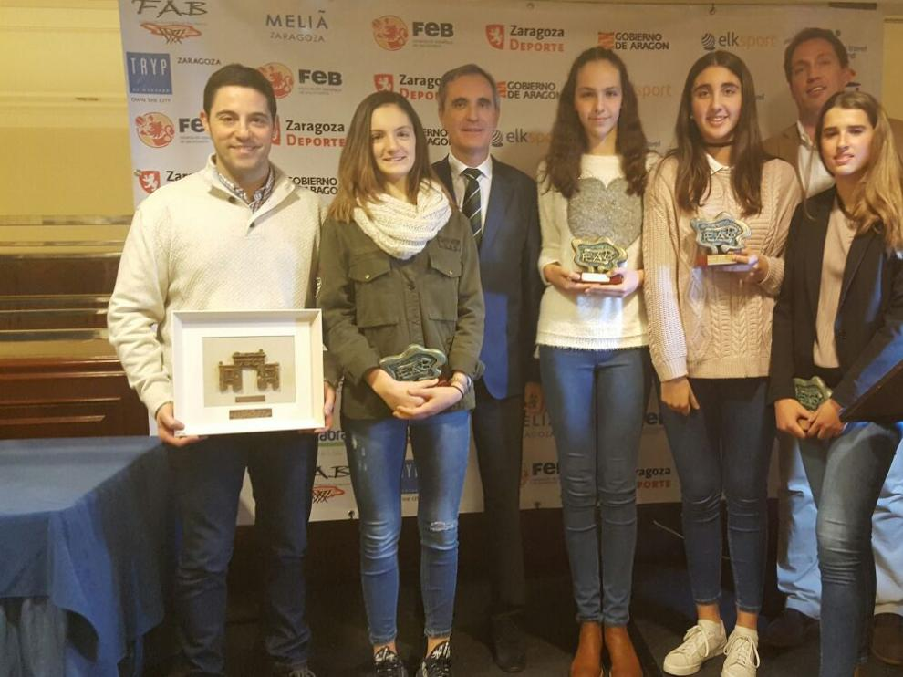 Víctor Lapeña, Alejandra Mastral, Javier Sierra, Ariadna Termis, Claudia Langarita, Freddy Gimeno y Zoe Hernández.
