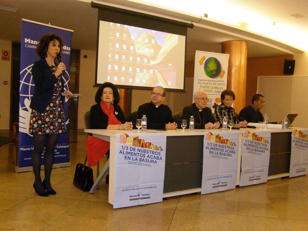 La presentación del nuevo proyecto de la delegación diocesana de Manos Unidas transcurrió en el Centro de Mayores de Tarazona.