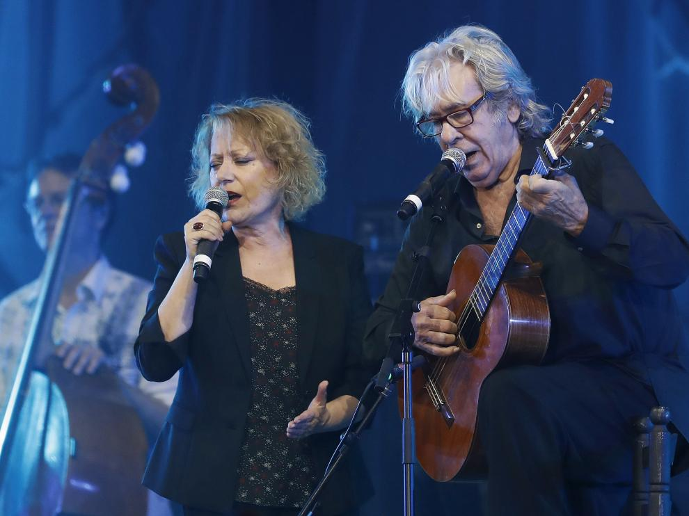 Marina Rosell y Paco Ibañez durante el concierto.