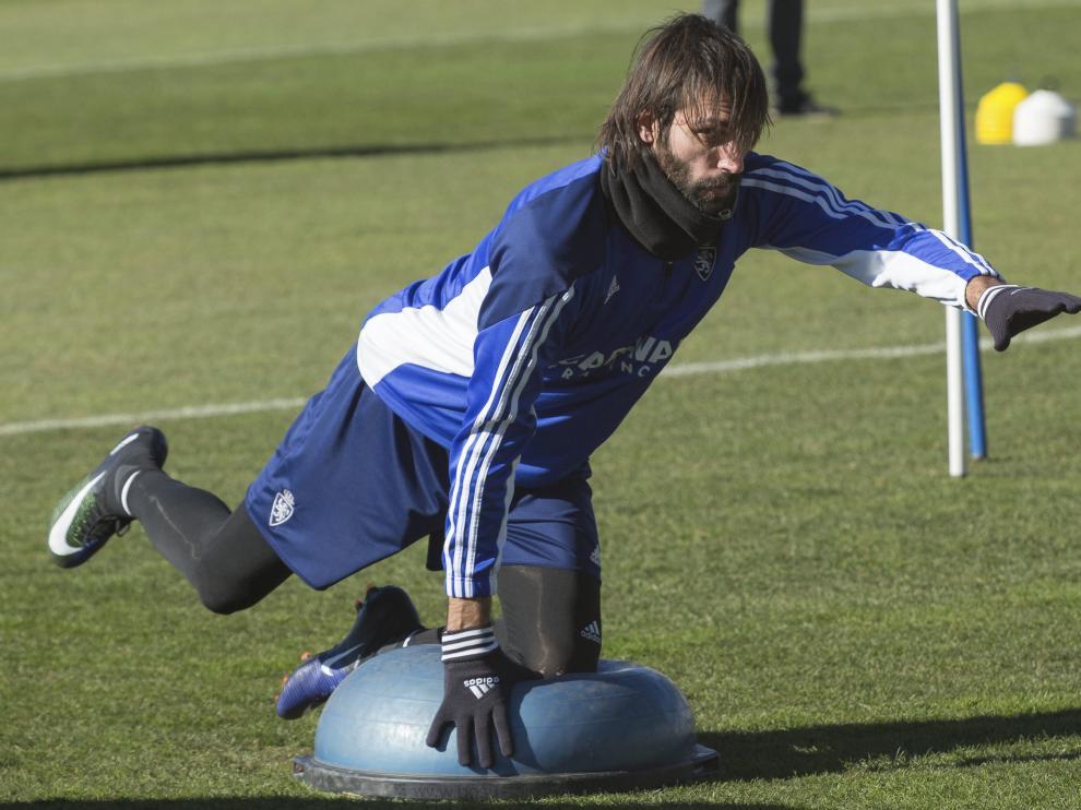 Samaras se ejercita en la Ciudad Deportiva del Real Zaragoza.