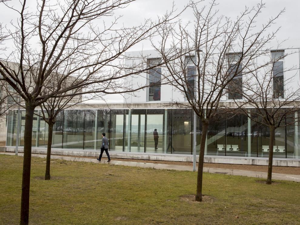 Vista del Edificio de Estudiantes de la Universidad San Jorge