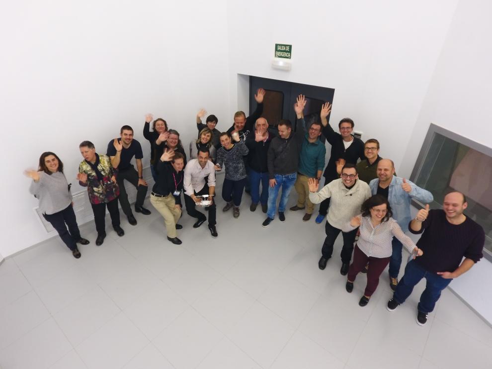 Los profesores participantes, fotografiados desde un dron