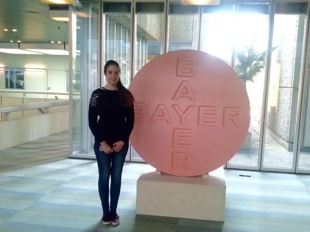 Alumna del Colegio Alemán realizando prácticas laborales en la empresa Bayer de Berlín.