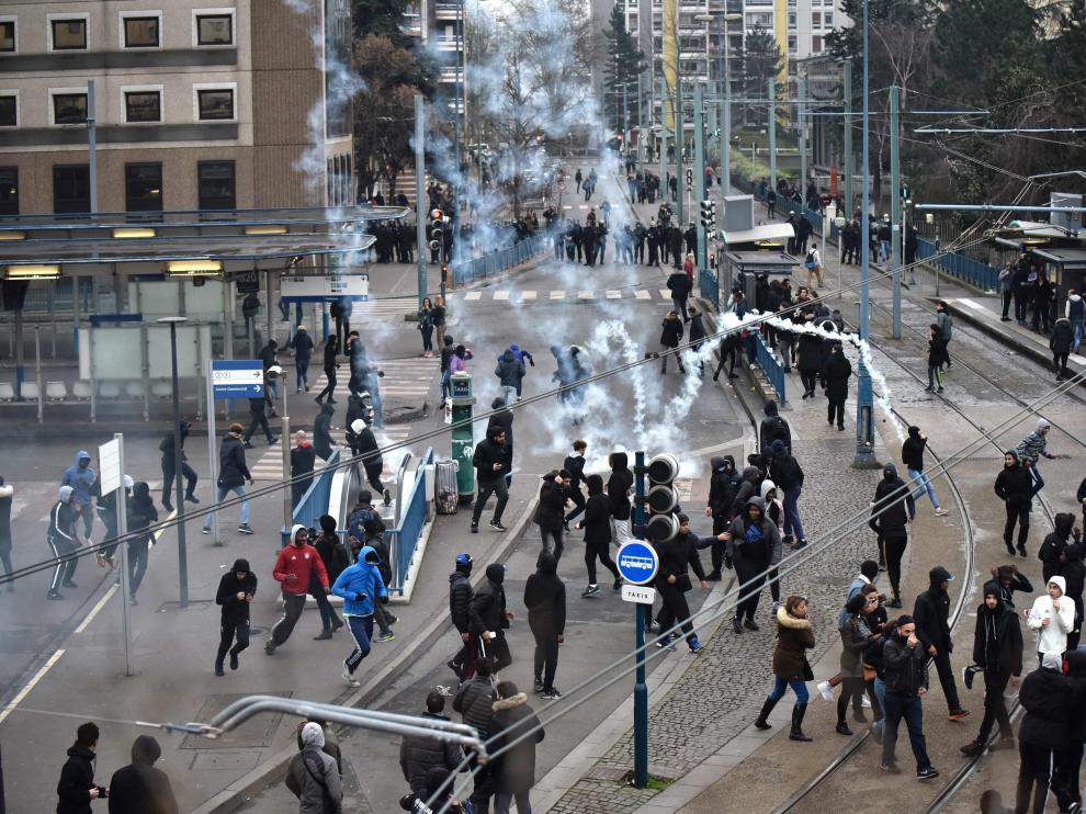 Varias manifestaciones en su apoyo han acabado en disturbios entre participantes y policía.