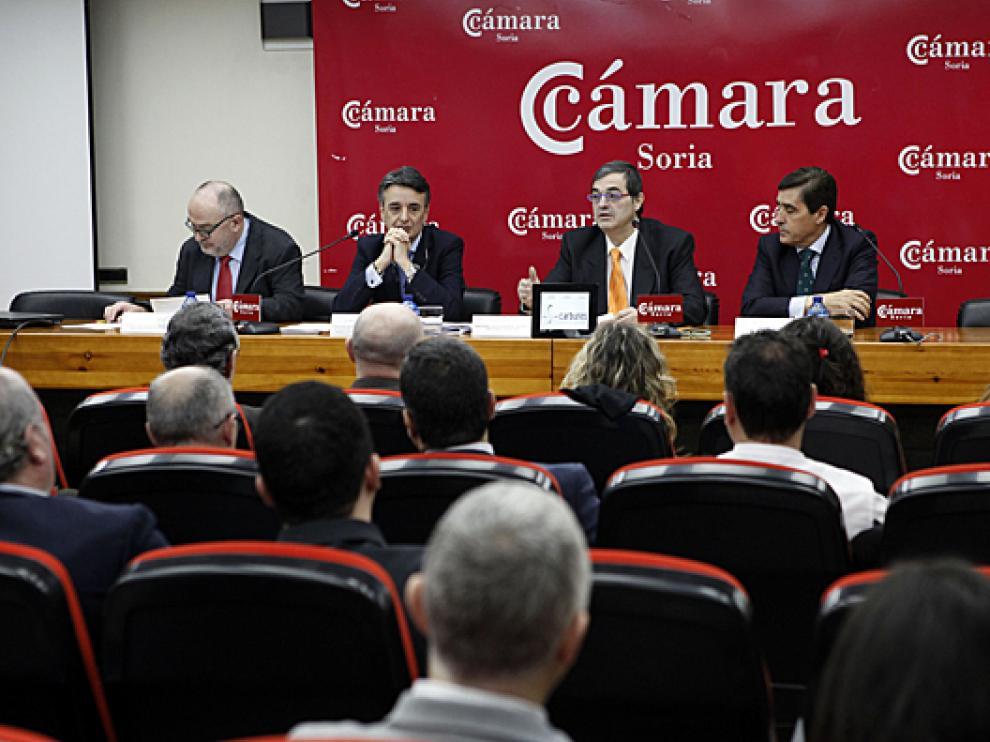 El director general de Competitividad de la Industria Agroalimentaria y de la Empresa Agraria de la Junta, Jorge Morro Villacián, ha asistido este jueves a una reunión en la Cámara de Comercio de Soria.