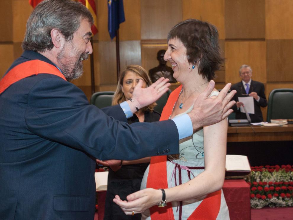 Lola Ranera, en su toma de posesión como concejala, en junio de 2007, días antes de dar a luz.