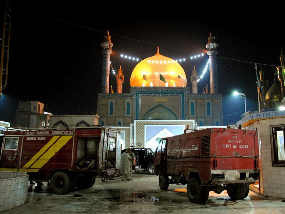 Una gran matanza en un templo sufí de Islamabad.