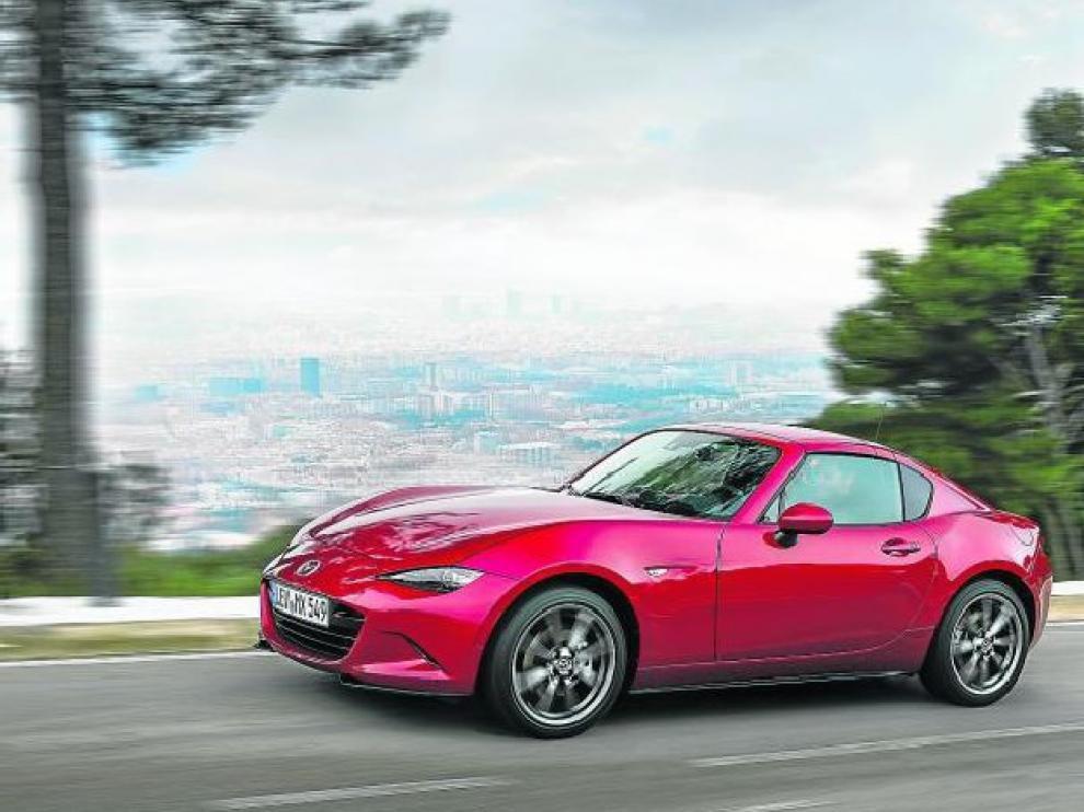 El nuevo Mazda MX-5 RF es uno de los coches más divertidos de conducir sin realizar un desembolso exagerado.