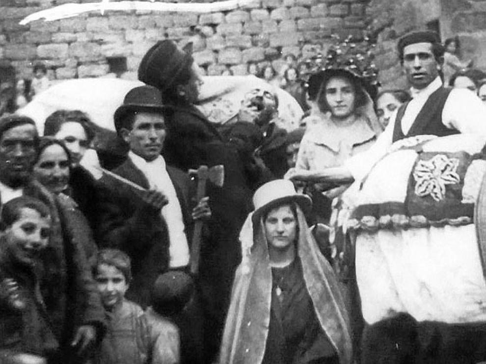Grupo disfrazado en el carnaval de 1924.