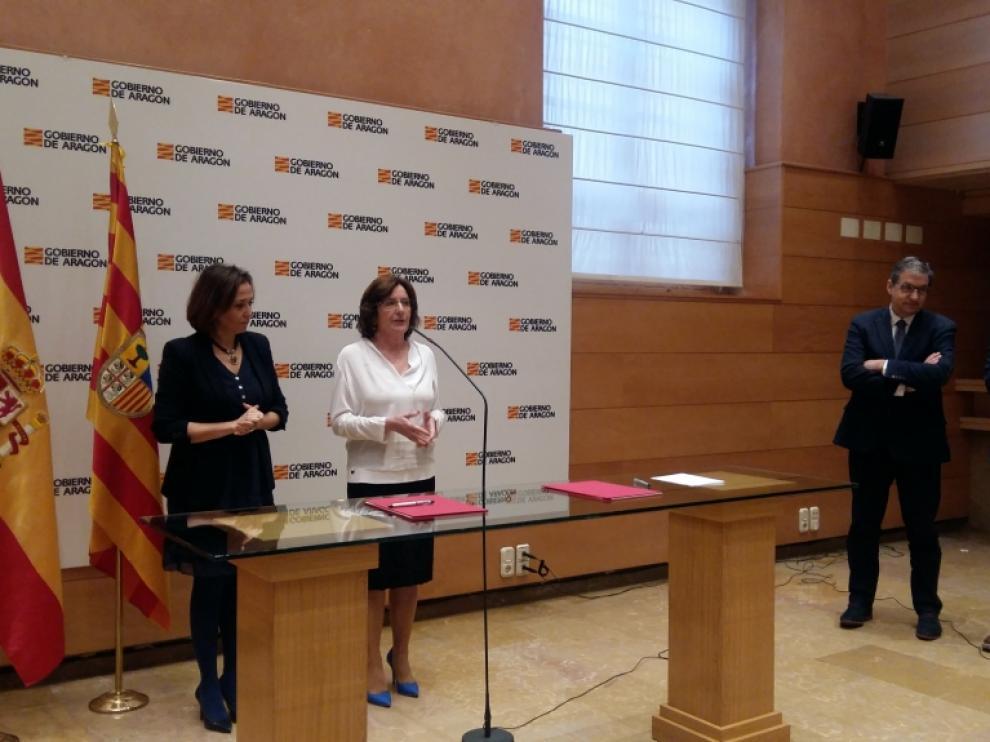 Firma del convenio entre las consejerías de Educación y Ciudadanía.