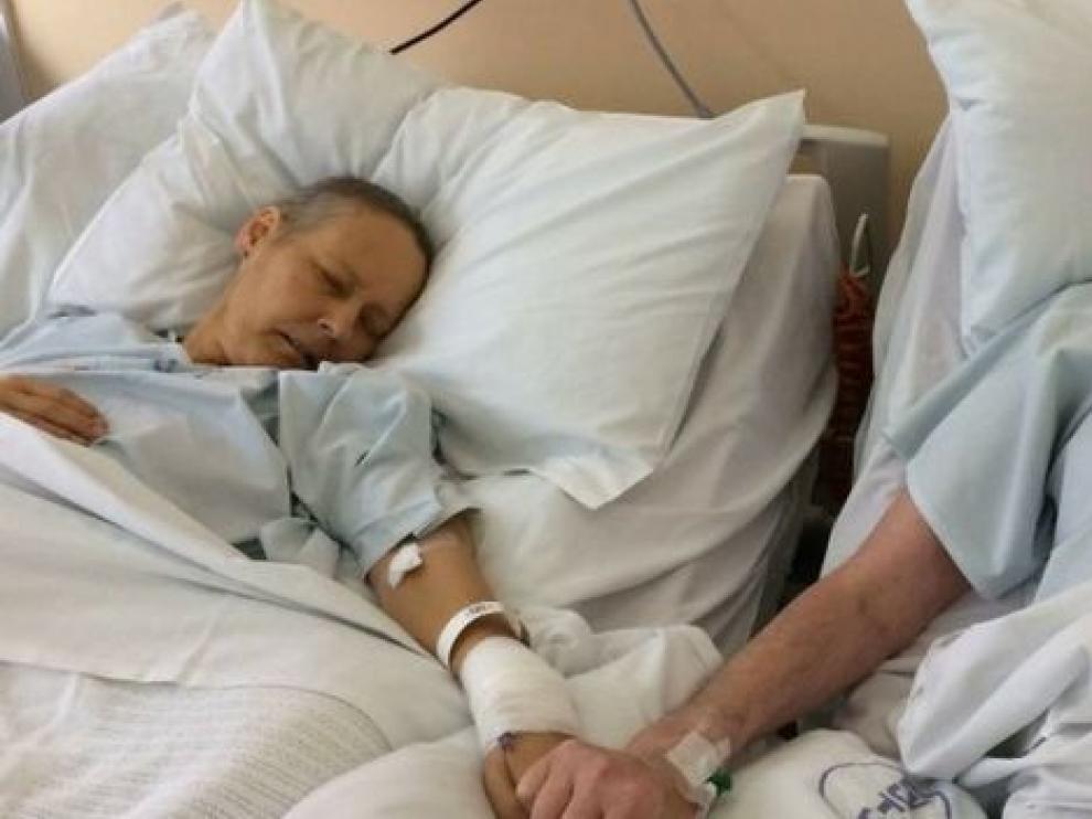 Mike y Julie Bennet fueron ingresados cuando sus enfermedades llegaron a la fase terminal.